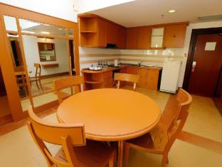 M Suites Hotel Johor Bahru - 2 Bedroom Suites Dining Area