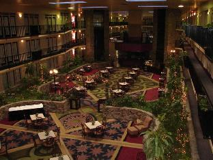 Fifth Season Inn & Suites