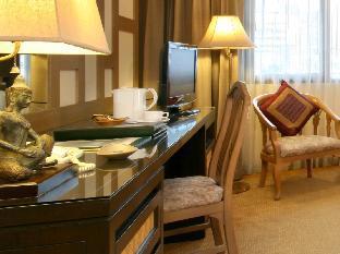 Tarntawan Place Hotel guestroom junior suite