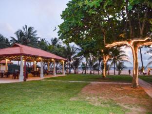 Paradise Beach Hotel Negombo - Garden