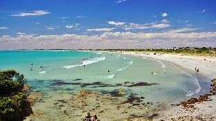 ➦  Discovery Holiday Parks    (South Australia) customer rating