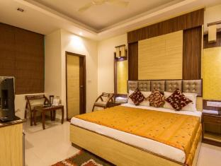 Aster Inn New Delhi and NCR - Double Deluxe Room