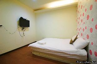 Standard Double Room8 - 1 min to night market