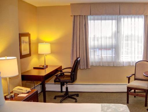 Best PayPal Hotel in ➦ Airdrie (AB): Comfort Inn and Suites Airdrie