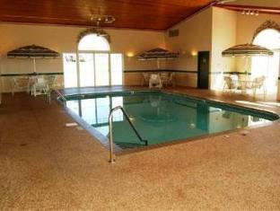 Country Inn and Suites Dubuque Dubuque (IA) - Swimming Pool
