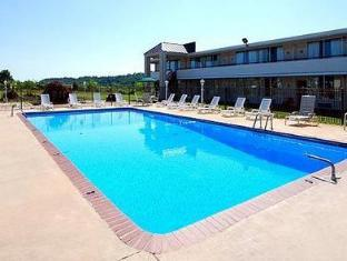 Quality Inn Staunton Staunton (VA) - Swimming Pool