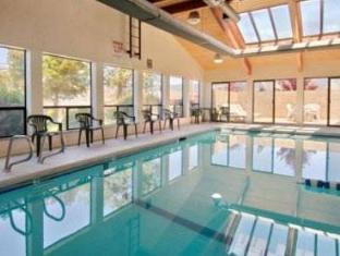 Super 8 Ashland Hotel Ashland (OR) - Swimming Pool
