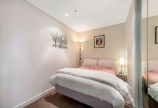 Review 2 Bedroom in Free tram zone Melbourne AU