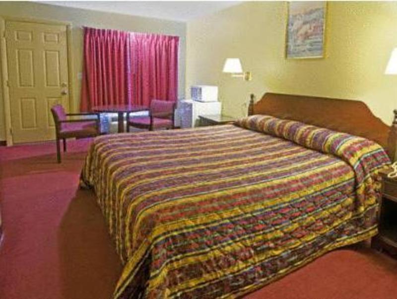 Best PayPal Hotel in ➦ Rumford (RI):