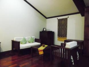 Luang Prabang Residence (The Boutique Villa) Luang Prabang - Deluxe Suite Double Sitting Area