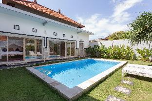 500meters to Potato Head, 3BR Villa2 Seminyak