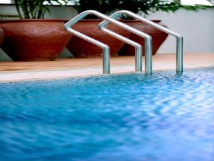 M Hotels - Tower B Kuching - Piscina
