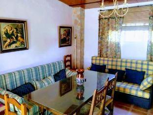 2BR Pepe Cottage in Baena
