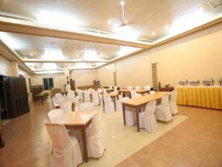 Darayonan Lodge Coron - Meeting Room