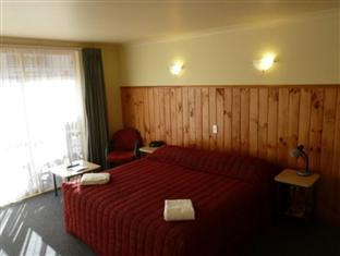 Best PayPal Hotel in ➦ Raglan: Waoku Lodge