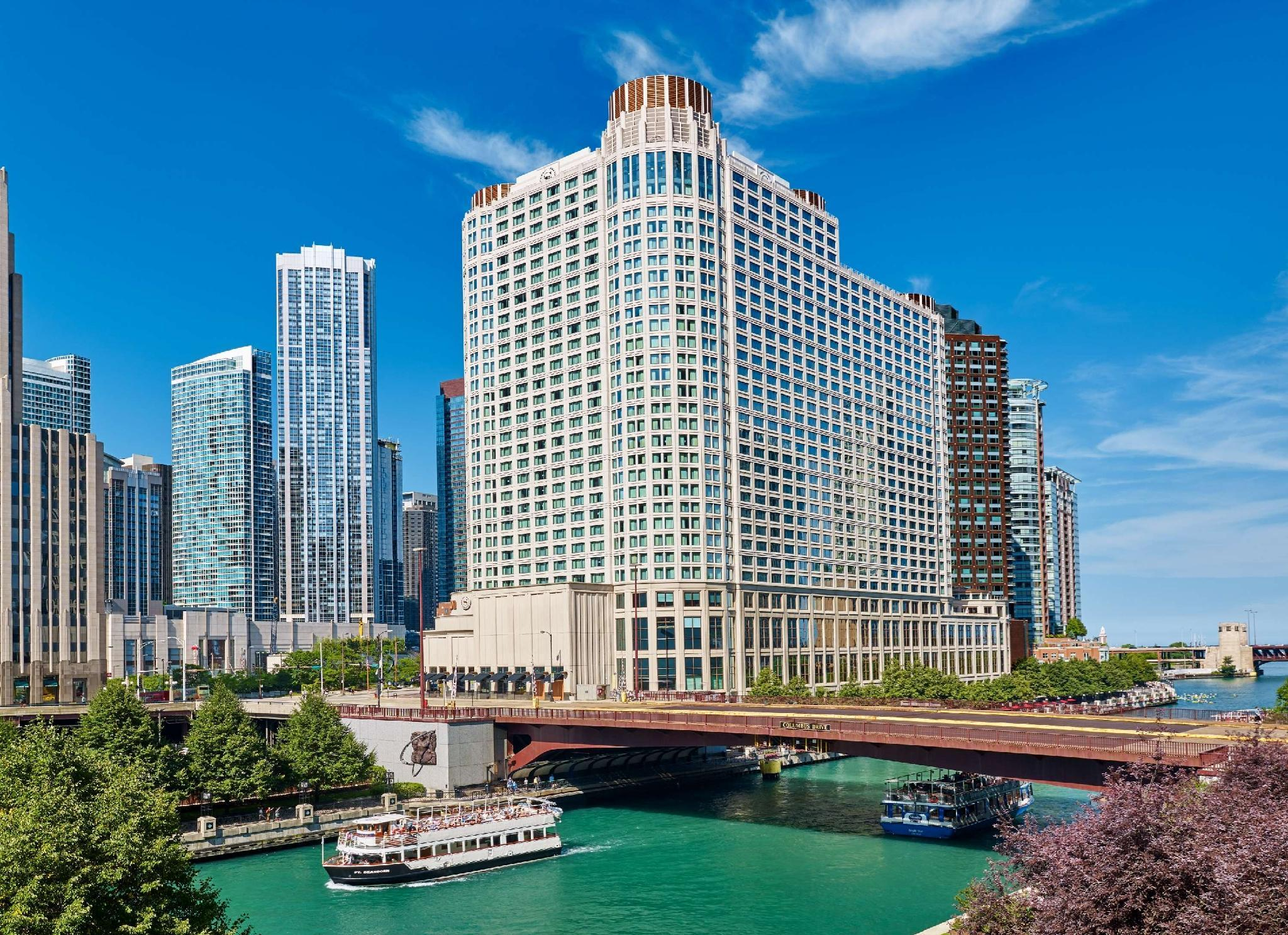Sheraton Grand Chicago image