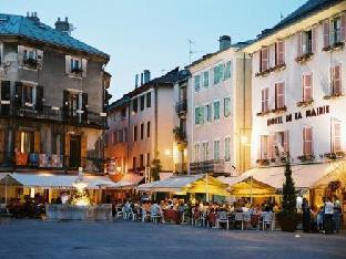 Hotel De La Mairie Амбрён