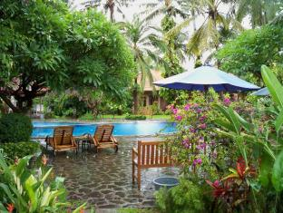 Banyualit Spa 'n Resort Lovina Bali - Swimming Pool