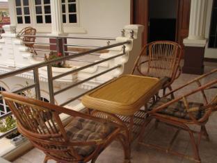The Bungalow Hotel Battambang - Balcony/Terrace