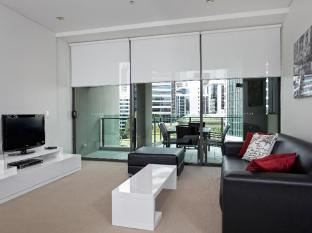 Quattro on Astor Apartments Brisbane - 1 Bedroom - Lounge