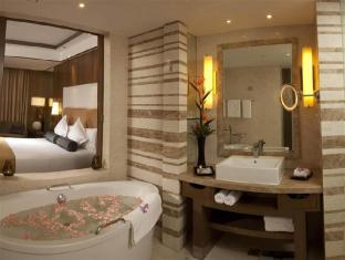 Crowne Plaza Hotel New Delhi Okhla New Delhi and NCR - Bathroom