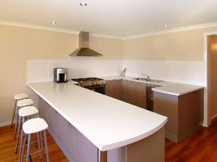 Dunsborough Holiday Homes – 6 Ella Gladstone best rates