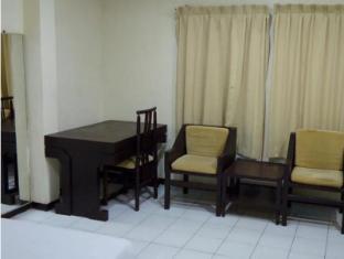 Garuda Citra Hotel Медан - Вітальня