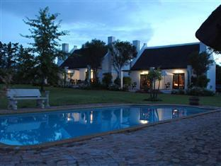 Bellevue Manor Holistic Wellness Retreat Stellenbosch - Swimming Pool at Night