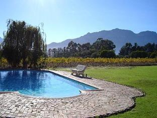 Bellevue Manor Holistic Wellness Retreat Stellenbosch - Swimming Pool