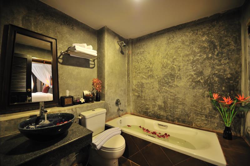 Siralanna phuket hotel phuket thailand overview for Thai bathroom design