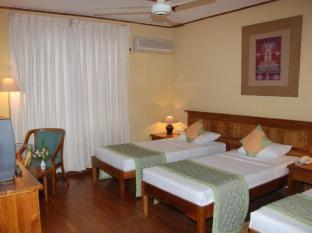 Hotel Casamara Kandy - Deluxe Triple Room