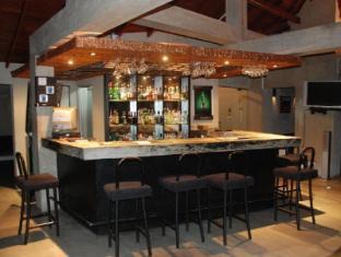 Hotel Casamara Kandy - Rooftop Pub