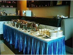 Circuit Hotel - Nana Hotel Phnom Penh - Buffet Set up