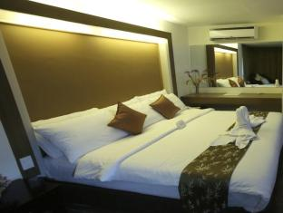 The Ritz Hotel at Garden Oases Davao City - Quartos