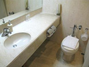 Casa Leticia Boutique Hotel Davao City - Executive Double Bathroom