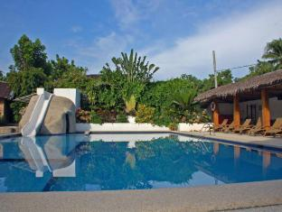 Marcosas Cottages Resort Moalboal - Bazen