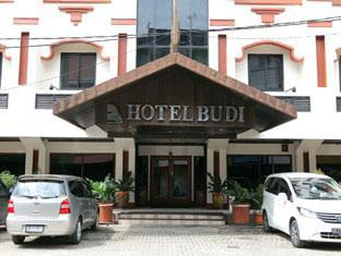Hotel Budi Palembang - Hotel entrance and parking area  | Bali Hotels and Resorts