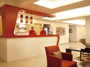 Red Fox Hotel-East Delhi New Delhi and NCR - Reception