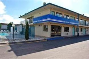 Reviews Motel 6-Carlsbad NM