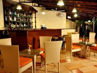 Best Western Devasthali - The Valley Of Gods South Goa - Quầy bar/Pub