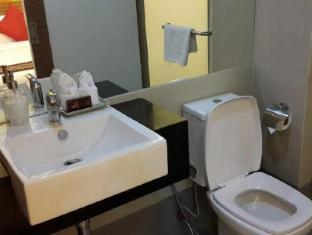 阿索克套房酒店 曼谷 - 卫浴间