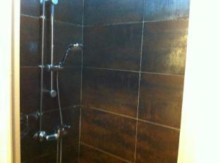 Rucksack Inn @ Temple Street Singapore - Shared Bathroom