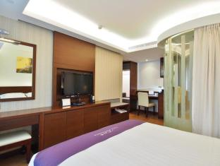 The Bauhinia Hotel-TST Hong Kong - Deluxe Room / Deluxe Harbour View Room