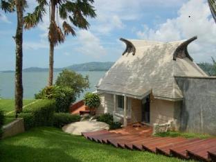 ザ ブルー スカイ リゾート アット ラノン The Blue Sky Resort@ Ranong