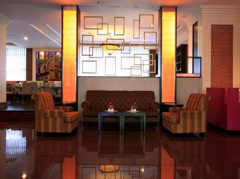 Karnmanee Palace Hotel,โรงแรมกานมณี พาเลส