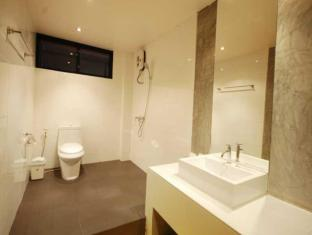 H Unique Bed & Breakfast Chiang Mai - Superior Room (Large) <br> Bathroom