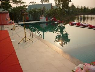 TaNiTa Lagoon Resort Udon Thani - Surroundings