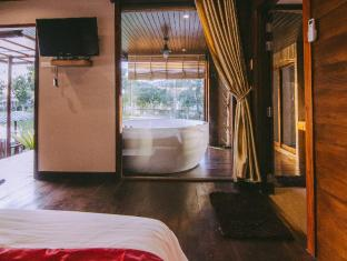 TaNiTa Lagoon Resort Udon Thani - VIP Room