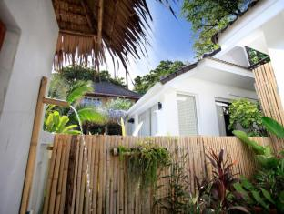 King's Garden Resort Samui - Beachfront Bungalow