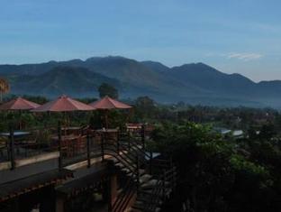 Bukit Alamanda Resort & Resto Garut - Balkon/Teras